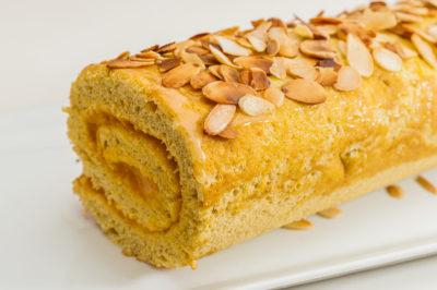 Photo de recette de biscuit roulé à la crème d'abricot, facile, rapide de Kilomètre-0, blog de cuisine réalisée à partir de produits de saison et issus de circuits courts