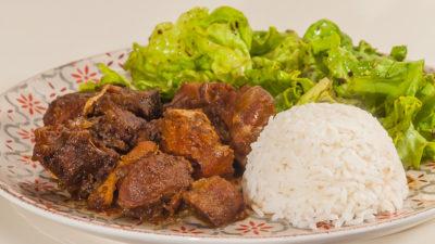 Photo de recette des Philippines, adobo de porc et poulet, facile, marinade, sauce soja, cuisine facile, recette rapide, échine de porc, cuisine asiatique, spécialité, plat national philippin de  Kilomètre-0, blog de cuisine réalisée à partir de produits de saison et issus de circuits courts