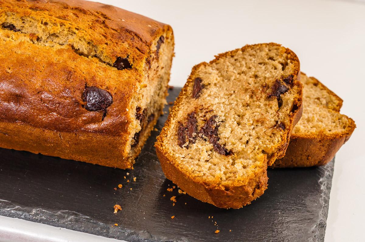 Photo de recette de gâteau du matin très facile avec restes du placard, confiture, chocolat, rapide, léger, bio de  Kilomètre-0, blog de cuisine réalisée à partir de produits de saison et issus de circuits courts