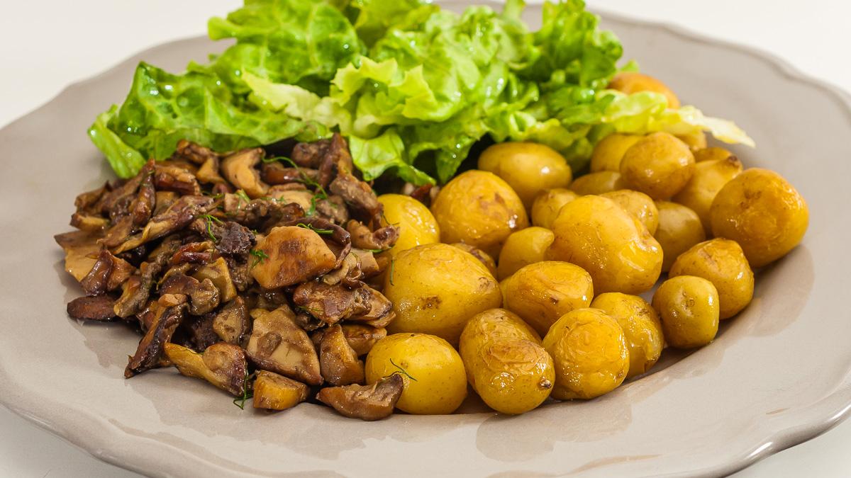 Photo de recette de pommes de terre bonnotte de Noirmoutier, cèpes, végétarienne, healthy, facile, simple  Kilomètre-0, blog de cuisine réalisée à partir de produits de saison et issus de circuits courts