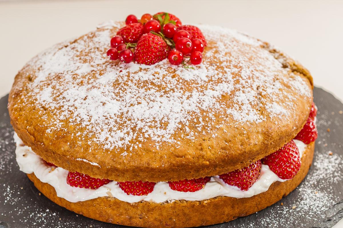 Photo de recette de  gâteau facile, léger, rapide, fraises, printemps, fruits rouges, bio, amandes, ricotta, Kilomètre-0, blog de cuisine réalisée à partir de produits de saison et issus de circuits courts