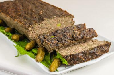 Photo de recette de terrine économique de foies de volailles, porc, épinards, légumes, de Kilomètre-0, blog de cuisine réalisée à partir de produits de saison et issus de circuits courts