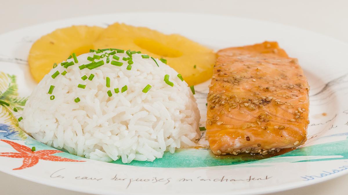Photo de recette de Saumon mariné, rpoisson, ananas, cuisine du monde, facile, rapide, marinade, riz, économique de ecette du Kiribati Kilomètre-0, blog de cuisine réalisée à partir de produits de saison et issus de circuits courts