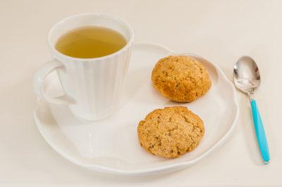 Photo de recette de Anzac cookies (Îles Salomon) - Biscuits avoine et noix de coco, facile, muesli, rapide, énergétique de Kilomètre-0, blog de cuisine réalisée à partir de produits de saison et issus de circuits courts