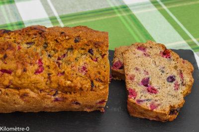 Photo de recette de gâteau du matin aux fruits rouges facile framboises, myrtilles  Kilomètre-0, blog de cuisine réalisée à partir de produits de saison et issus de circuits courts