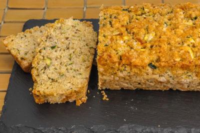 Photo de recette de pain de courgettes, brésilien, Brésil, parmesan, courgettes, légumes, été, Kilomètre-0, blog de cuisine réalisée à partir de produits de saison et issus de circuits courts