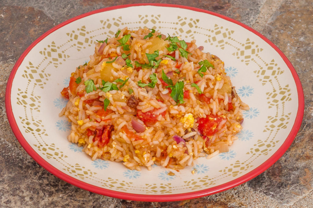 Photo de recette de riz à l'ananas, végétarien, healthy, plat thaïlandais, asiatique, Thaïlande, facile, économique, bio de  Kilomètre-0, blog de cuisine réalisée à partir de produits de saison et issus de circuits courts