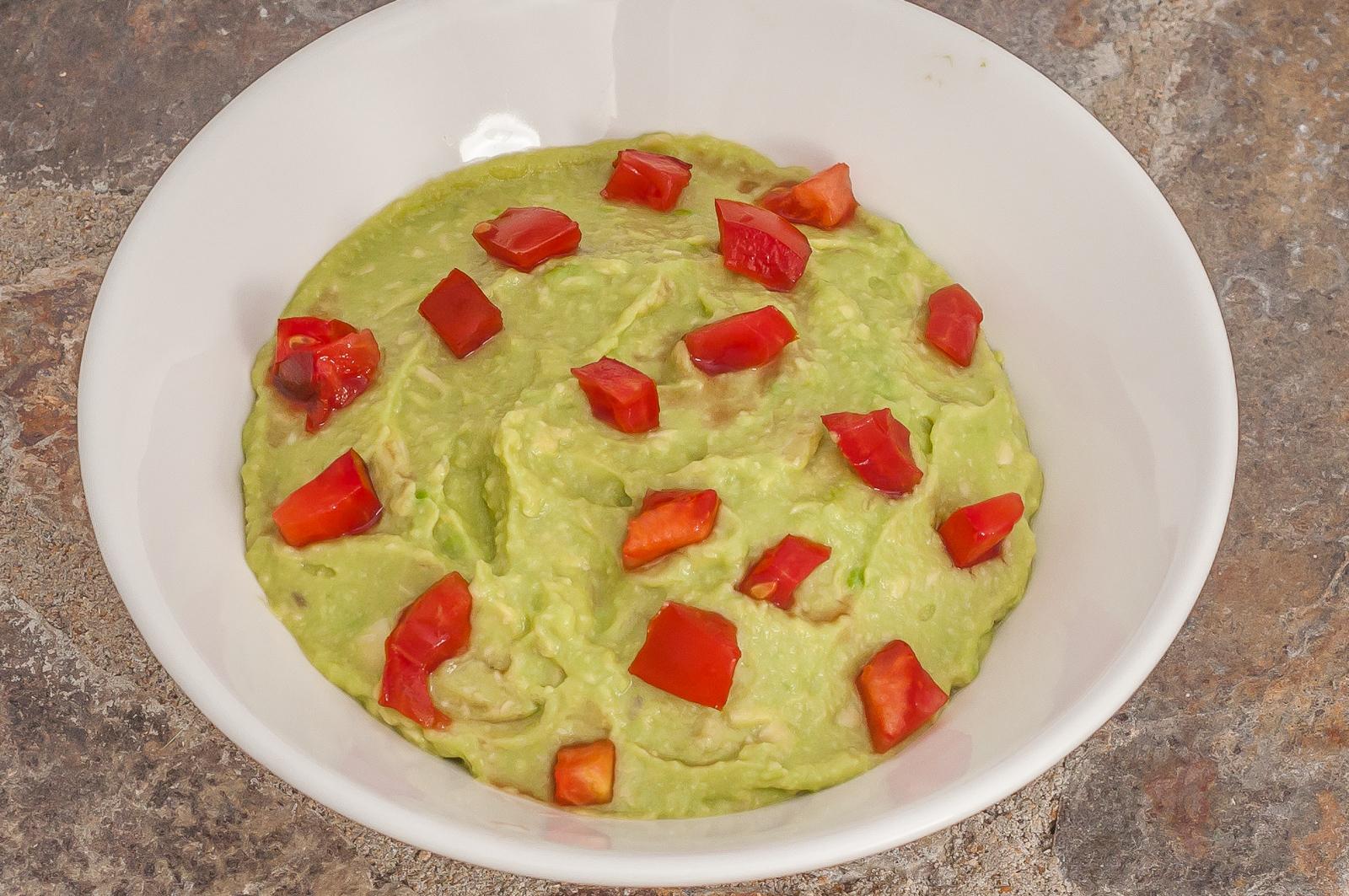 Photo de recette facile de guacamole maison, végétarien, healthy, facile, rapide, Mexique, américaine, cuisine du monde de  de Kilomètre-0, blog de cuisine réalisée à partir de produits de saison et issus de circuits courts