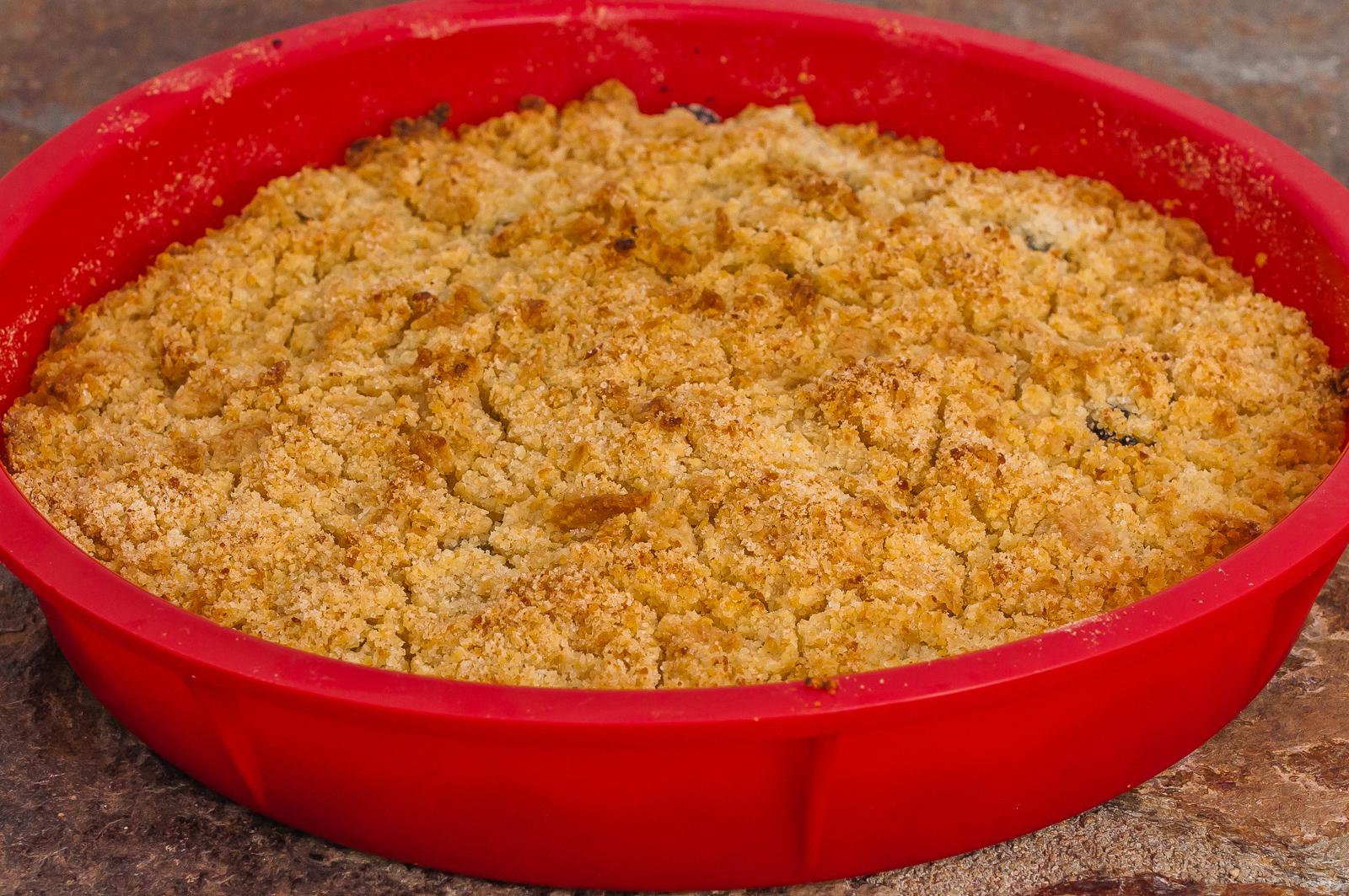Photo de recette de crumble aux mûres facile, bio, léger,  Kilomètre-0, blog de cuisine réalisée à partir de produits de saison et issus de circuits courts