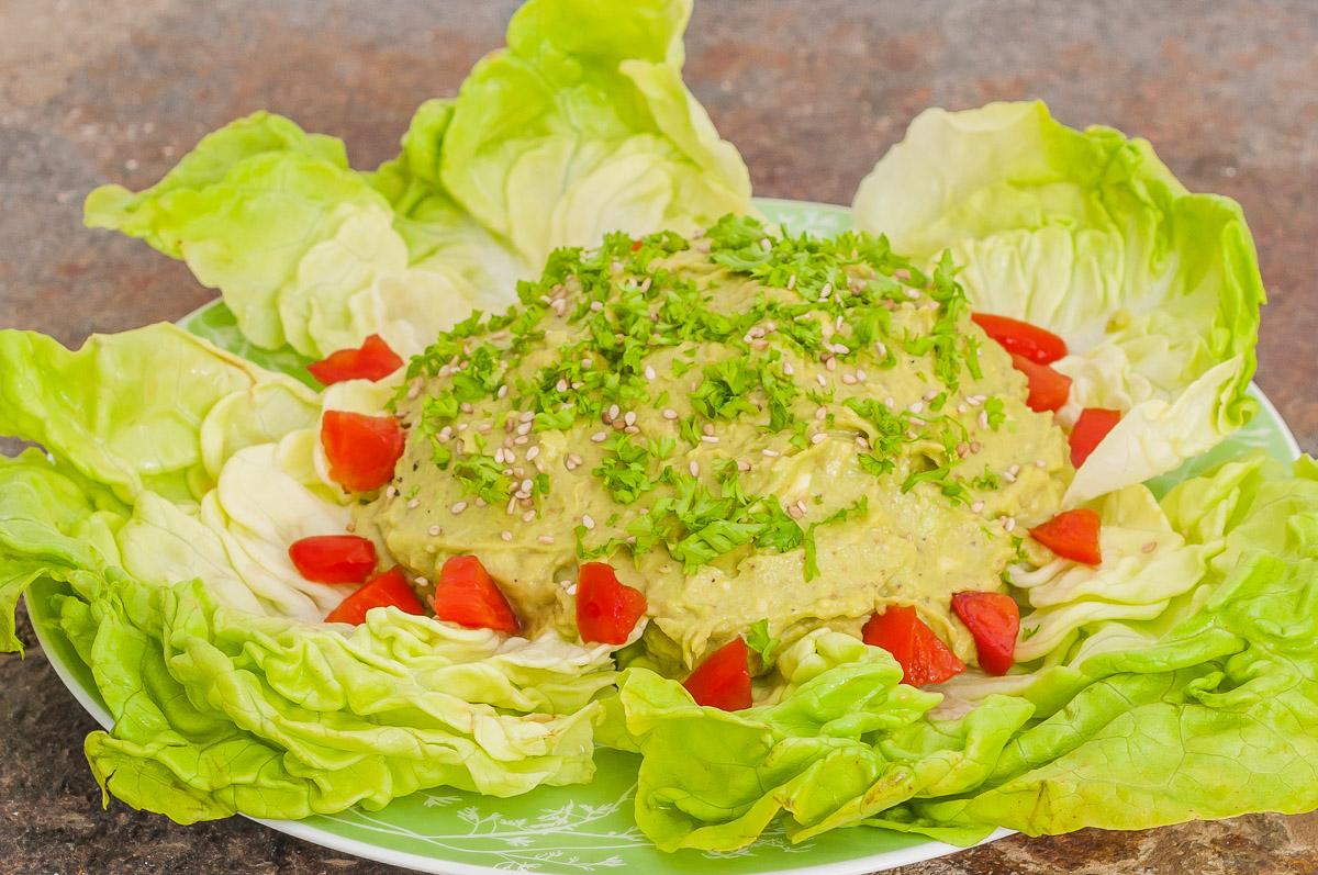 Photo de recette  palestinienne, cuisine de Palestine, tahin, tahina, avocat, facile, rapide, salade, bio,de Kilomètre-0, blog de cuisine réalisée à partir de produits de saison et issus de circuits courts