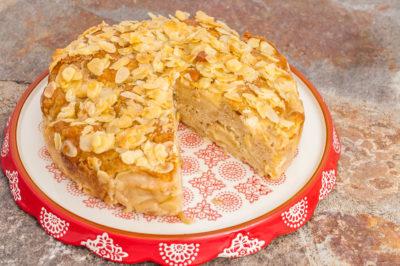 Photo de recette de gâteau aux pommes moelleux et croustillant, facile, bio, rapide, léger, dessert,  Kilomètre-0, blog de cuisine réalisée à partir de produits de saison et issus de circuits courts