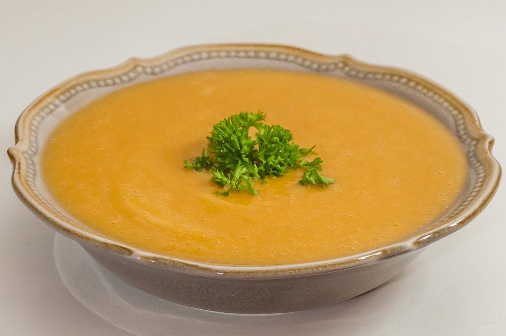 Photo de recette de soupe, velouté, potage, fèves sèches, patate douce, facile, rapide, bio,  Kilomètre-0, blog de cuisine réalisée à partir de produits de saison et issus de circuits courts