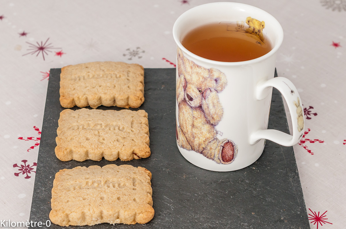 Photo de recette de biscuits marocains aux dattes, facile, bio, rapide, facile, gâteaux fourrés, gâteaux secs, Kilomètre-0, blog de cuisine réalisée à partir de produits de saison et issus de circuits courts