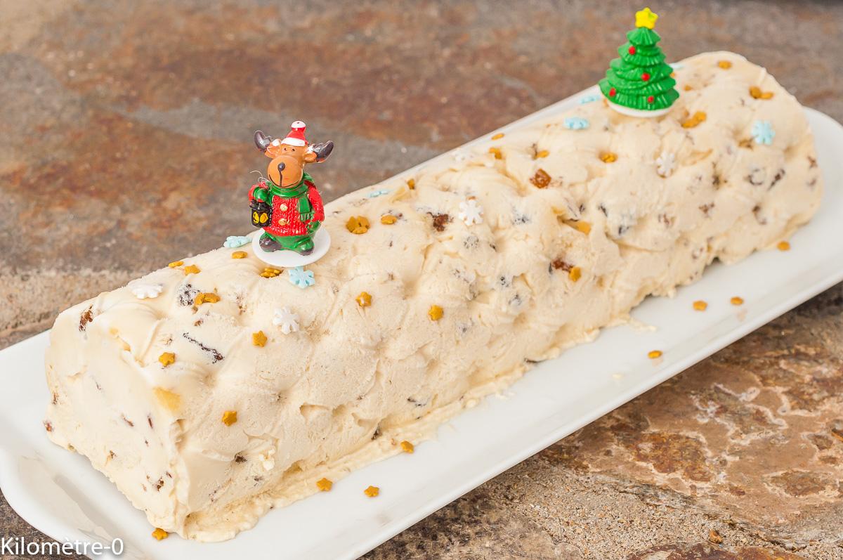 Photo de recette de bûche, nougat glacé, fruits secs, glace, crème glacée,  Noël, nouvel an, facile, rapide Kilomètre-0, blog de cuisine réalisée à partir de produits de saison et issus de circuits courts