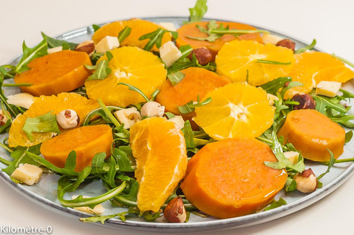 Photo de recette de salade végétarienne, healthy, orange, patate douce, noisettes, facile, hiver, rapide, santé, bio de Kilomètre-0, blog de cuisine réalisée à partir de produits de saison et issus de circuits courts