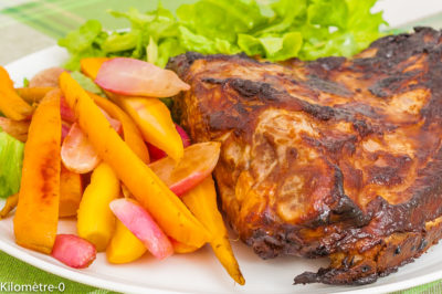 Photo de recette de travers de porc, marinade, moutarde, miel, sauce soja, porc, viande, légumes, printemps, carottes, radis, facile, grillade, Kilomètre-0, blog de cuisine réalisée à partir de produits de saison et issus de circuits courts