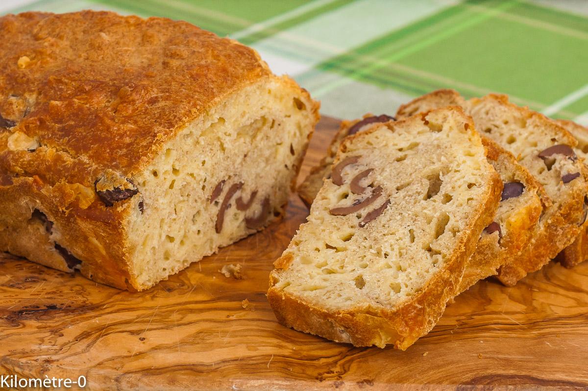 Photo de recette de cake aux olives, facile, bio, végétarien,healthy, rapide, fromage, Kilomètre-0, blog de cuisine réalisée à partir de produits de saison et issus de circuits courts