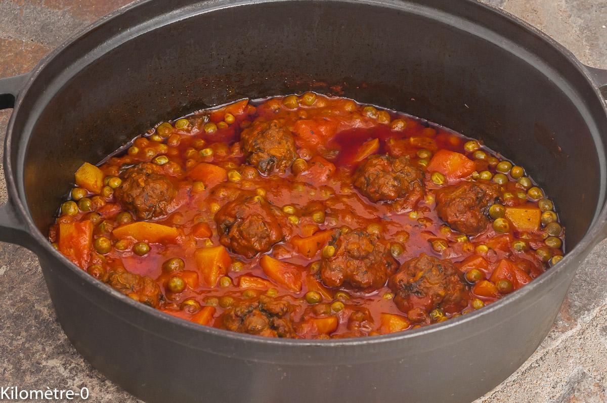 Photo de recette marocaine, cuisine africaine, tajine, kefta,  petits pois, boulettes, légumes, viande, maghrebine, Maghreb, de Kilomètre-0, blog de cuisine réalisée à partir de produits de saison et issus de circuits courts