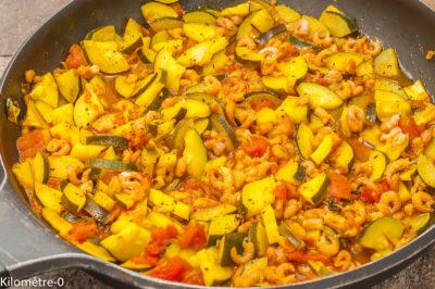 Photo de recette de poélée, crevettes, courgettes, épices, légumes, bio, facile, léger, healthy,  Kilomètre-0, blog de cuisine réalisée à partir de produits de saison et issus de circuits courts