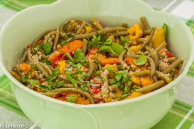 Photo de recette anti inflammatoire, de salade de quinoa, haricots verts, poivrons, légumes, été, automne, végétarien, healthy, léger,  Kilomètre-0, blog de cuisine réalisée à partir de produits de saison et issus de circuits courts