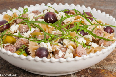 Photo de recette de pâtes, raisins, fêta, saucisses, facile, complète, Kilomètre-0, blog de cuisine réalisée à partir de produits de saison et issus de circuits courts