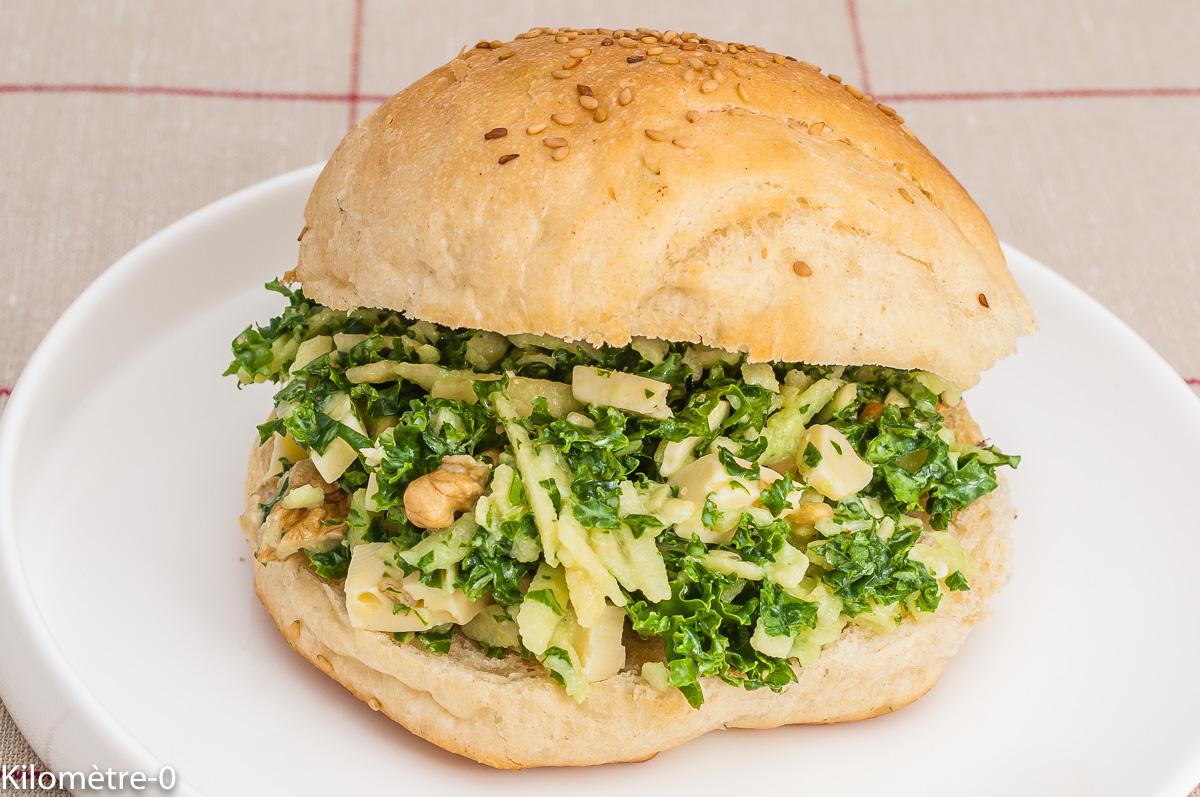 Photo de recette de burger, végétarien, healthy chou kale, pommes, tomme, facile, bio,  Kilomètre-0, blog de cuisine réalisée à partir de produits de saison et issus de circuits courts