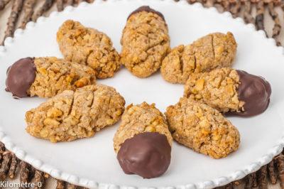 Photo de recette de biscuits, petits gâteaux, noix, chocolat, facile, énergétique, bio, Kilomètre-0, blog de cuisine réalisée à partir de produits de saison et issus de circuits courts