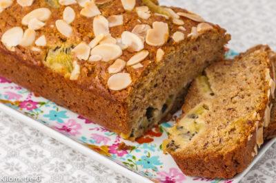 Photo de recette de gâteau, matin, cake, dessert, kiwis, fruits, amandes, facile, rapide, bio,  Kilomètre-0, blog de cuisine réalisée à partir de produits de saison et issus de circuits courts
