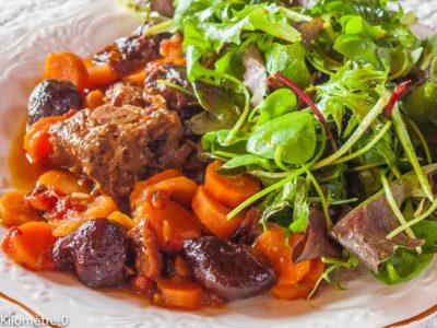 Photo de recette d'échine de porc, carottes, pruneaux, tomates, facile, mijoté, automne, hiver,  Kilomètre-0, blog de cuisine réalisée à partir de produits de saison et issus de circuits courts
