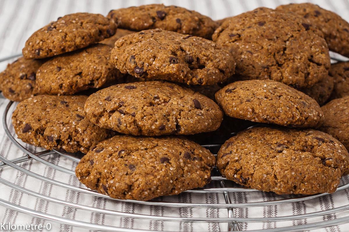 Photo de recette de cookies, farine de noisettes, farine d'épeautre, chocolat, facile, bio, rapide, biscuits, Kilomètre-0, blog de cuisine réalisée à partir de produits de saison et issus de circuits courts
