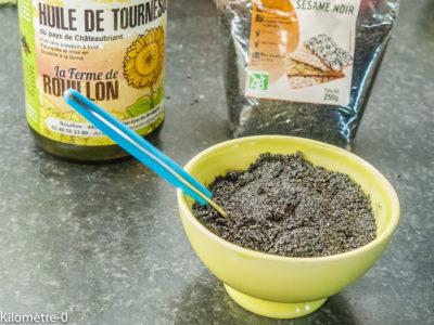 Photo de recette de pâte de sésame noir maison, facile, bio, rapide, graines de sésame,  Kilomètre-0, blog de cuisine réalisée à partir de produits de saison et issus de circuits courts
