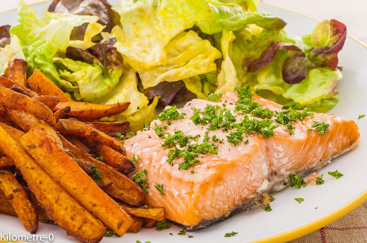 Photo de recette de saumon, pavé de saumon, frites, four, carottes, légumes, épices, facile, Kilomètre-0, blog de cuisine réalisée à partir de produits de saison et issus de circuits courts