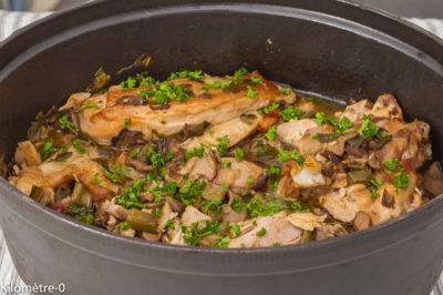 Photo de recette de poulet du monastère, cuisine européenne, Roumanie, recette roumaine,cèpes, champignons, volaille, pui,  Kilomètre-0, blog de cuisine réalisée à partir de produits de saison et issus de circuits courts