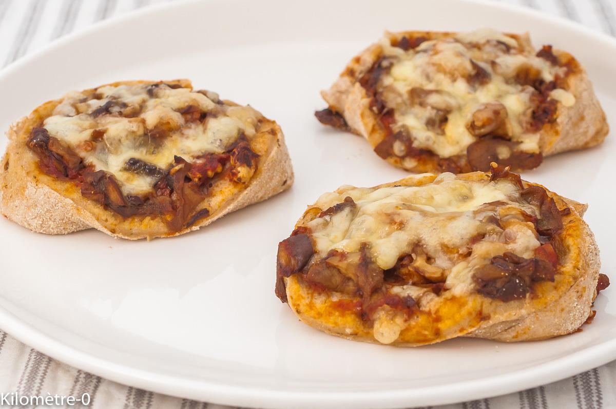 Photo de recette de pizza roulée, champignons, fromage, cèpes, végétarien, roulés, tomate, bio de  Kilomètre-0, blog de cuisine réalisée à partir de produits de saison et issus de circuits courts