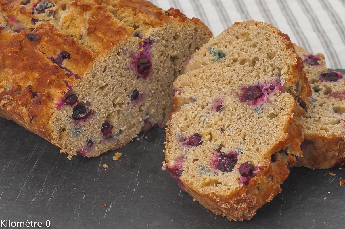 Photo de recette de cake, gâteau du matin, citron, cassis, fruits rouges, bio, facile, Kilomètre-0, blog de cuisine réalisée à partir de produits de saison et issus de circuits courts