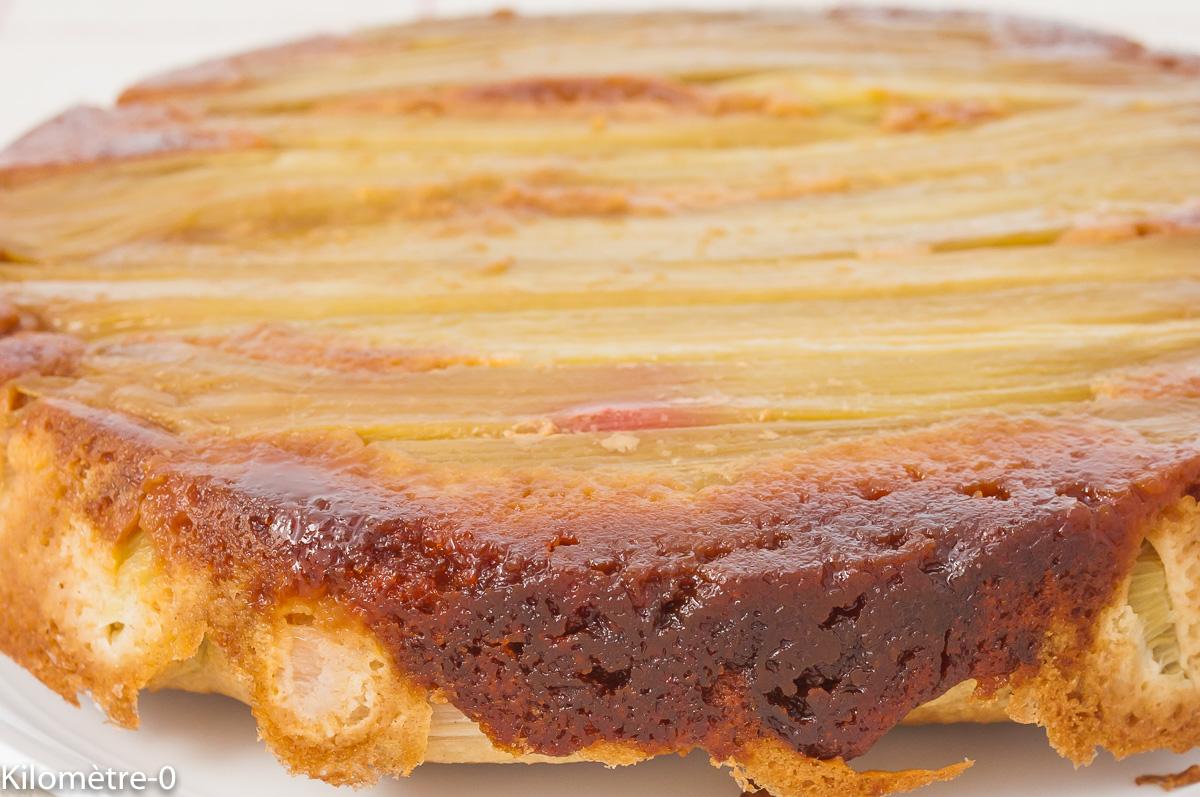 Photo de recette de gâteau, gâteau renversé, dessert, rhubarbe, fruits, facile, été, bio,  Kilomètre-0, blog de cuisine réalisée à partir de produits de saison et issus de circuits courts