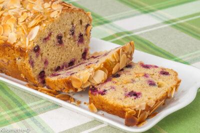 Photo de recette de gâteau, matin, cake, cassis, fruits rouges, citron, amandes, facile, rapide, bio, Kilomètre-0, blog de cuisine réalisée à partir de produits de saison et issus de circuits courts