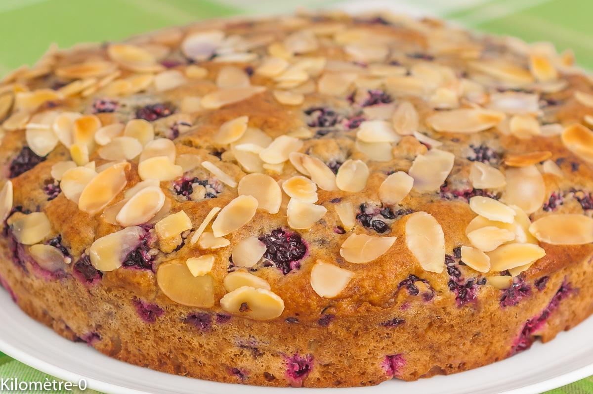 Photo de recette de cake, gâteau du matin, fruits rouges, mûres, amandes, bio, amandes, facile, rapide,  Kilomètre-0, blog de cuisine réalisée à partir de produits de saison et issus de circuits courts