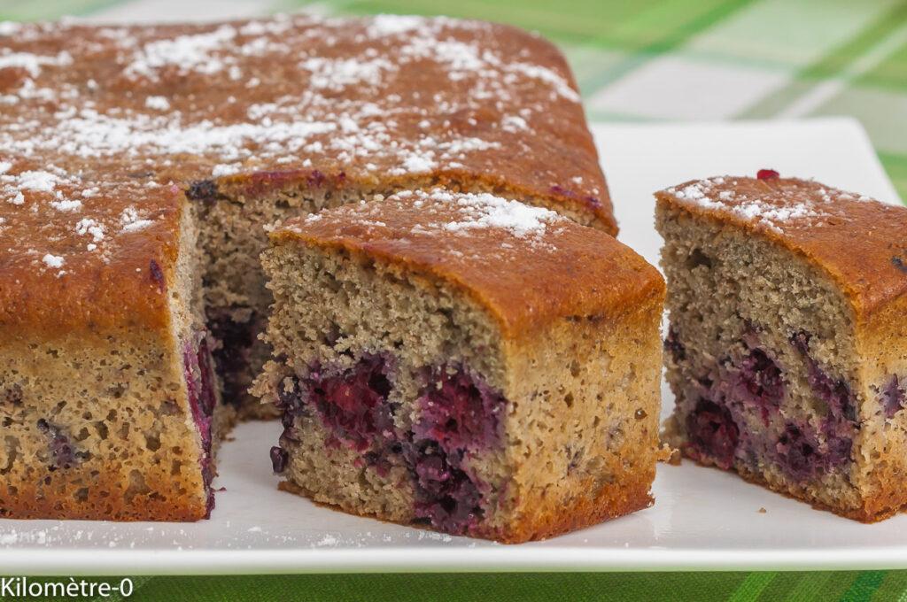 Gâteau à la farine de millet et aux mûres