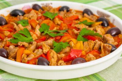 Photo de recette de poulet, poivrons, été, olives, léger, bio, rapide, facile, volaille, légumes, healthy, Kilomètre-0, blog de cuisine réalisée à partir de produits de saison et issus de circuits courts
