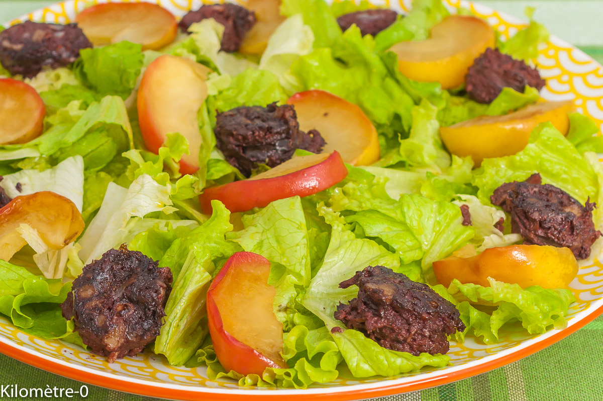 Photo de recette de salade, boudins, pommes, facile, rapide, léger, Kilomètre-0, blog de cuisine réalisée à partir de produits de saison et issus de circuits courts