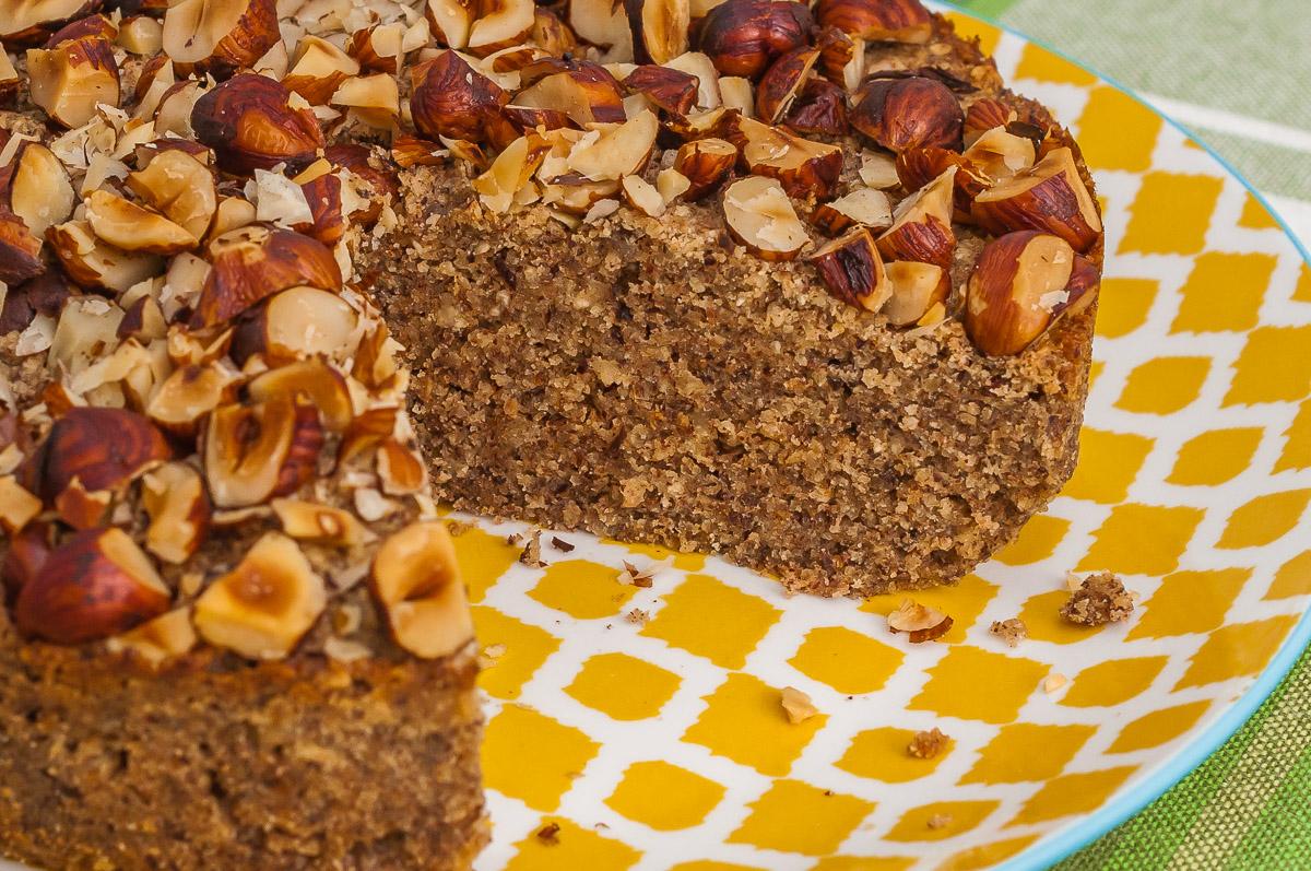 Photo de recette de gâteau, crousti-fondant, fruits secs, noisettes, dessert, Kilomètre-0, blog de cuisine réalisée à partir de produits de saison et issus de circuits courts